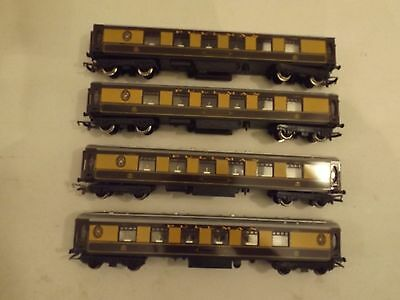 Hornby OO four car passenger set