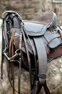 F.R.A. Tiamo Treeless Saddle