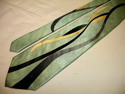 DON JONATHAN Woven Green Swing Style Design 100% Silk Tie W/ Gold Chain NWT