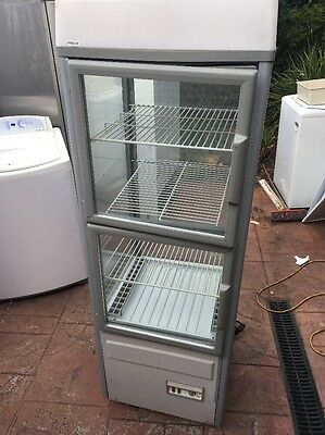Cake Fridge  200 Lt Comes With 30 Day Warranty