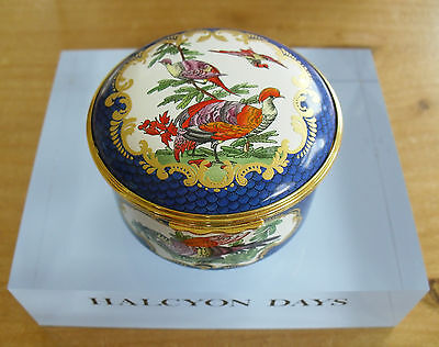 """Halcyon Days National Trust 18thC Worcester Inspired Enamel Box - 2 3/8""""(6cms)"""