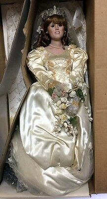1960/70s VINTAGE PORCELAIN DOLL DANBURY MINT *THE PRINCESS SARAH BRIDE DOLL*
