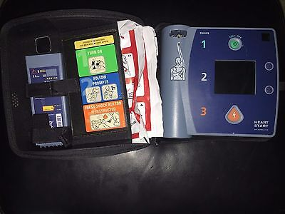 PHILIPS HEARTSTART FR2+ AED w/ 1 BATTERY, & 2 set of PADS ADULT DEFIBRILLATOR-