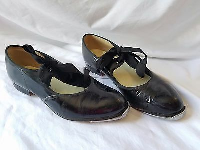 Vintage Tap Shoes Red Robin Hollywood Capezio Taps  size 6 dancing dance