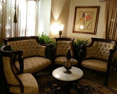 Antique living room set - Five piece in excellent conditions.