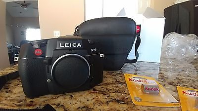 Leica R9 35mm SLR Film Camera Body only (with brand new leather case!!)