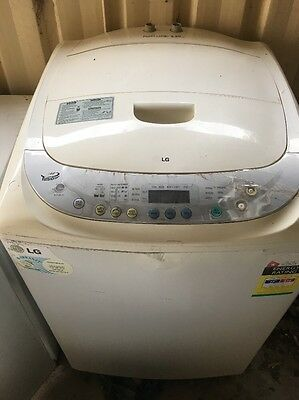 Washing Machine 8.5 Kg Lg  Comes With 30 Day Warranty