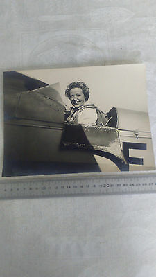 Photo Amelia Earhart à bord de son Avion Aviation Aéronautique Vintage