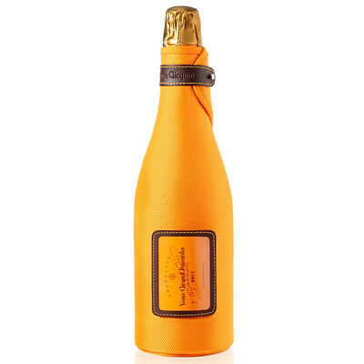 Veuve Clicquot NV Champagne Ice Jacket White Champagne 75cl Bottle - Drinks21