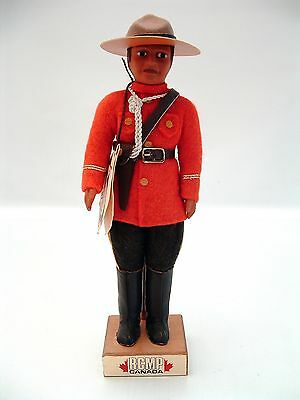INDIEN ART ESKIMO INC Royal Canadian Mounted Police RCMP Vintage Figure *RARE*