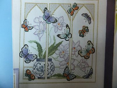 Pretty Butterfly Magic Design Pattern / Chart in/for Counted Cross Stitch