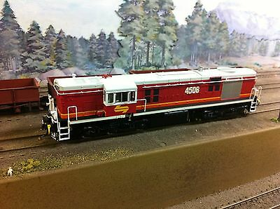 Auscision HO NSWGR 45 class loco #4506 Candy grey roof./Austrains/Trainorama/etc