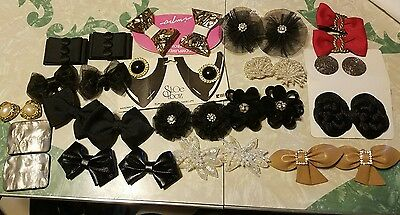 17 pairs of Shoe Clips