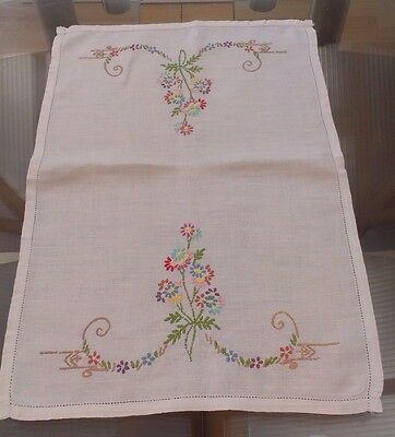 Vintage White Cotton & Embroidered Small Tablecloth / Tray Cloth