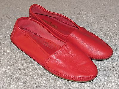 MINNETONKA Red Leather Handsewn Moccasin Slippers Women's Size 8