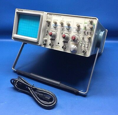 TEKTRONIX 2215A 60 MHz Dual Channel Oscilloscope -- Tested & Working