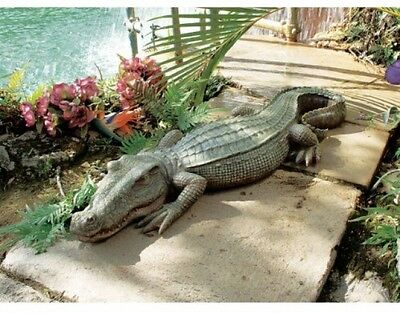 Resin Large Animal Garden Ornaments Outdoor Decoration Sculpture Crocodile