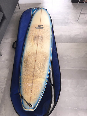 Minimal surf board 7ft 6inch with bag / cover