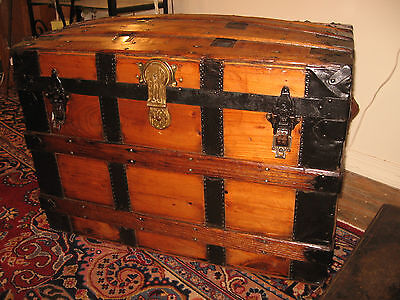 1800s ANTIQUE SEMI FLAT DOME TOP RESTORED CHEST STAGE COACH TRUNK