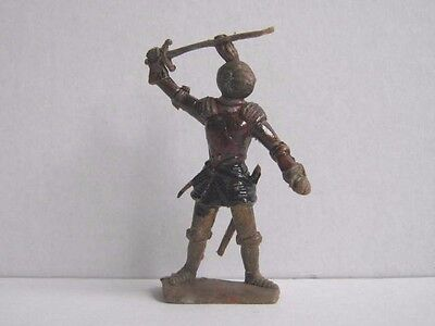 1 x CHERILEA 1960's MEDIEVAL KNIGHT ....  PLASTIC 1/32 TOY SOLDIER to clear.