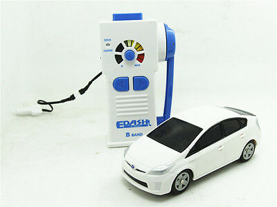 TAKARATOMY EDash Remote control toyota Prius USB charging mini R/C car Modified