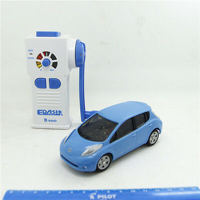 TAKARATOMY EDash Remote control NISSAN LEAF USB charging mini R/C car Modified