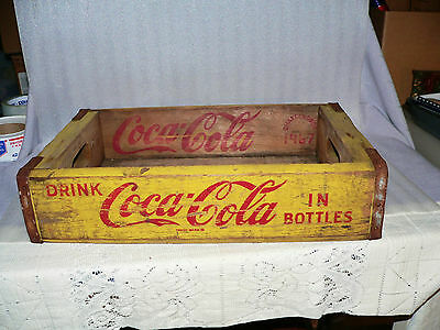 Vintage Coca-Cola Yellow Wood Red Bottle Carrier Crate Box 1967 Chattanooga