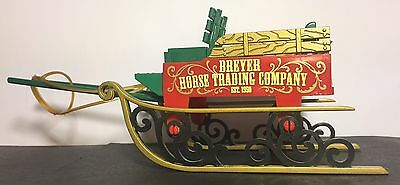 Breyer Stablemate Horse Trading Company Sleigh Wagon Red Green Holiday Tack