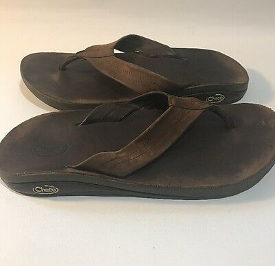 Men's Chacos Brown Leather Thong Flip Flops Scandals Size 11 GUC