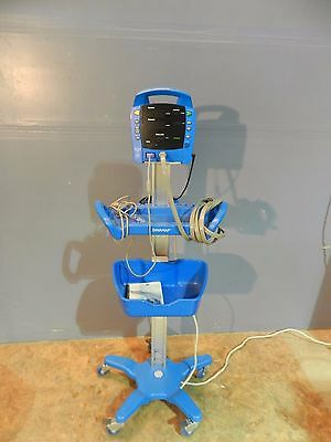 GE Dinamap Procare 300 Auscultory Monitor,Power Pack, Stand, BP Hose, Sp02 pre
