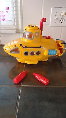 Fisher-Price Imaginext Deep Sea Submarine vehicle with torpedoes