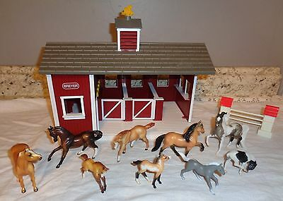 Breyer Stablemates Red Barn & Horses Lot 2000's
