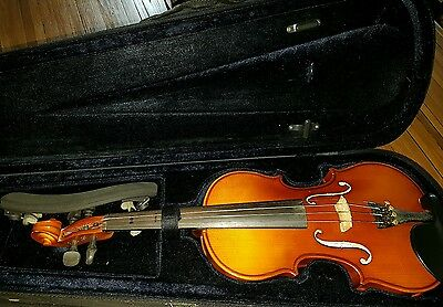 Beautiful 3/4 size violin, good for a child to learn
