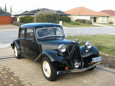 Citroen Traction light 15 11BL French built  small boot