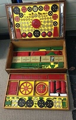 Meccano No. 10 Outfit / Wooden Box Set - Red & Green. circa 1950's
