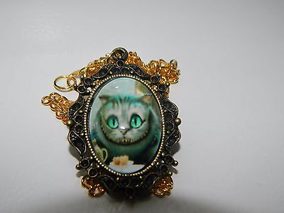 alice in wonderland cheshire cat necklace