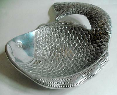 Vintage metalware fish or flounder shaped desk tidy coin or card dish 11299