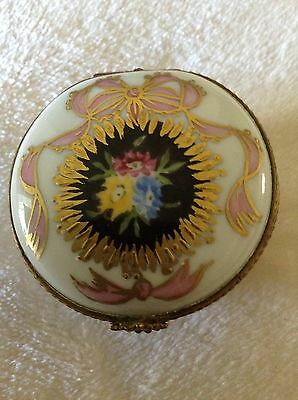 Limoges France Trinket/Pill Box Hand Painted