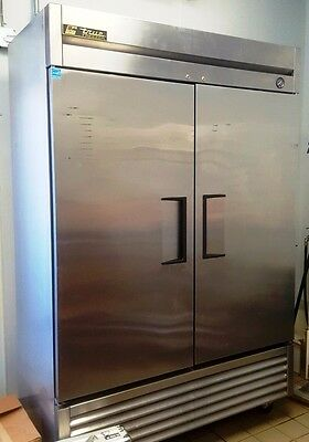 commercial freezer TRUE T-49F 54 inch 2 section reach in freezer  42 cu ft