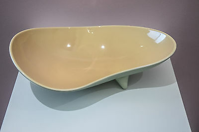 Wade 1950's Kidney shaped bowl in peach and green