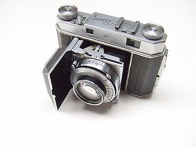 KODAK RETINA 11 FOLDING CAMERA WITH f2 50mm RETINA-XENON LENS. TYPE 011