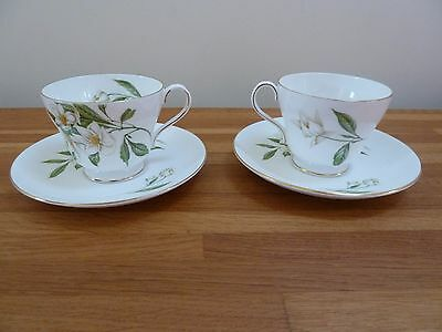 SHELLEY '' Syringa '' 14009 2x Tea CUPS  2x SAUCERS Great Condition