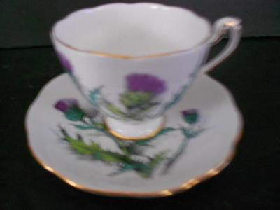 """Roslyn 9094 English Bone China Thistle """"queen O'th Highlands"""" Cup & Saucer"""