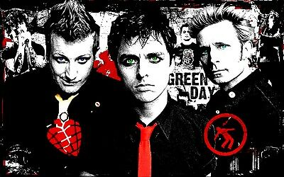 "3.25"" GREEN DAY vinyl bumper sticker. American Idiot For car, guitar or bong."