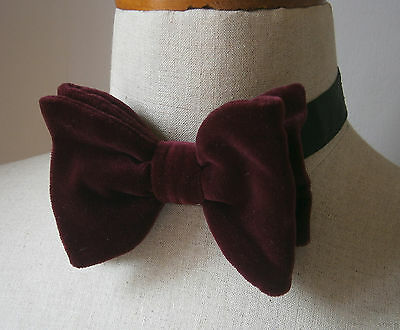 Vintage 1970's Large Burgundy Velvet Bow Tie Dickie Bow Cruise Party Wedding