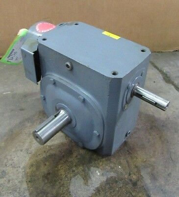 Boston 338-40-G1 40:1 Ratio Right Angle Gearbox Speed Reducer 3.4Hp