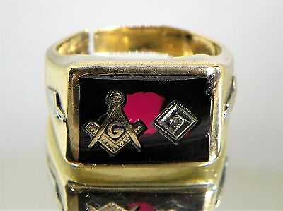 VINTAGE 10K YELLOW GOLD Synthetic Ruby DIAMOND MASONIC RING sz.9.5 11 Grams