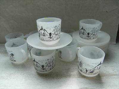 lot 10 tasses /10 soucoupes  expresso Arcopal France :décor Japonisant