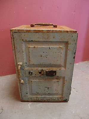 OLD ANTIQUE CAST IRON SAFE STRONG-BOX SHIPS SAFE DOCUMENTS MADE by COALBROOKDALE