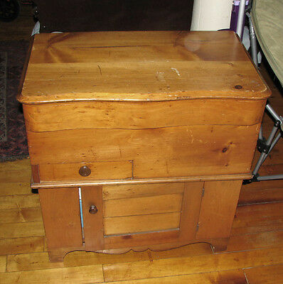 Antique Late 19th Century Country Lift Top Pine Washstand